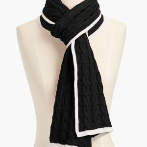 TALBOTS SOFT CABLE SCARF - BLACK